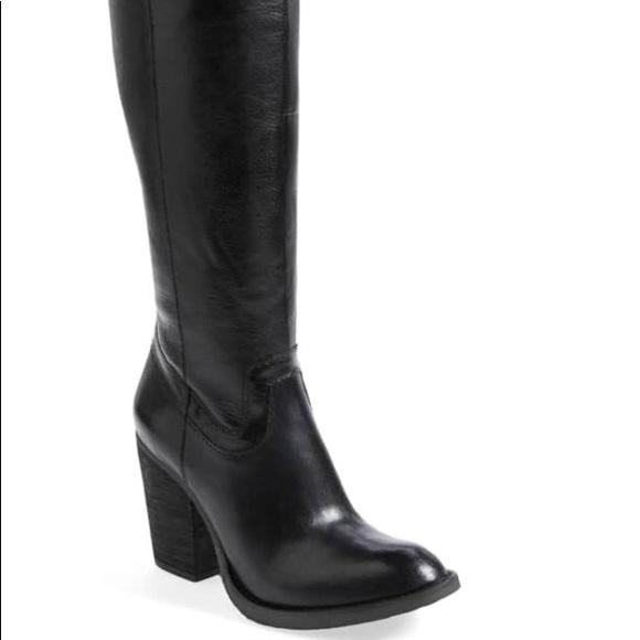 f6e763dc0fb Steve Madden Carrter Black Chunk Heel Boots. M 5be915b25c445269fe5c2e48